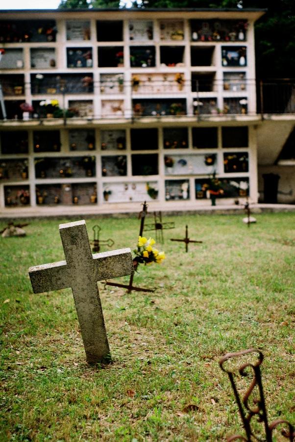 http://lafilladelfotografu.irenavisa.com/files/gimgs/46_cementiri2.jpg