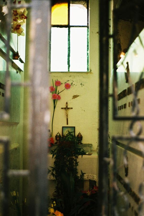 http://lafilladelfotografu.irenavisa.com/files/gimgs/46_cementiri3.jpg
