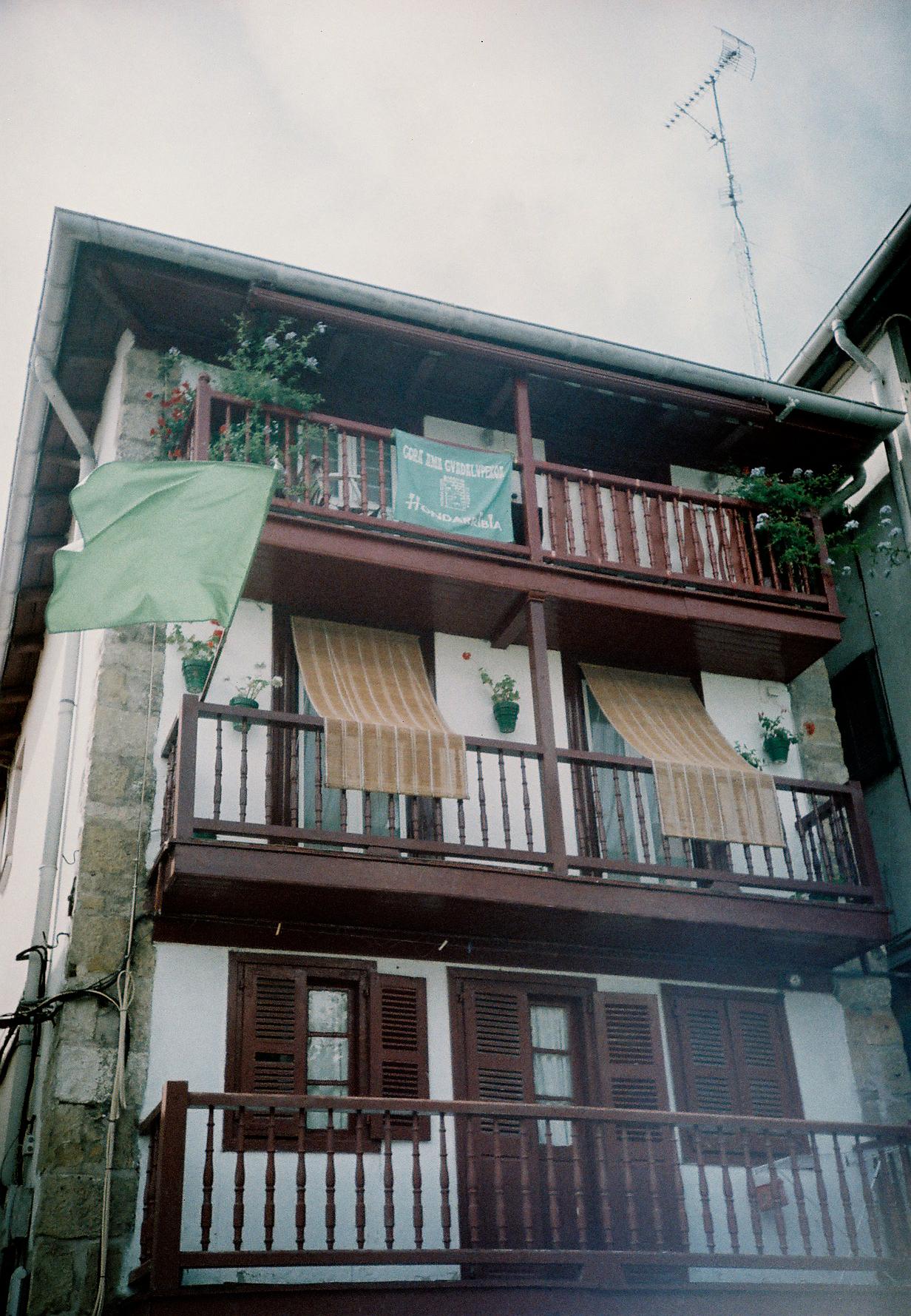 http://lafilladelfotografu.irenavisa.com/files/gimgs/65_f1000009-1.jpg