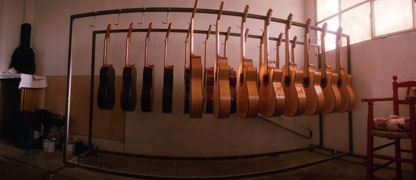 http://lafilladelfotografu.irenavisa.com/files/gimgs/68_guitars-1.jpg