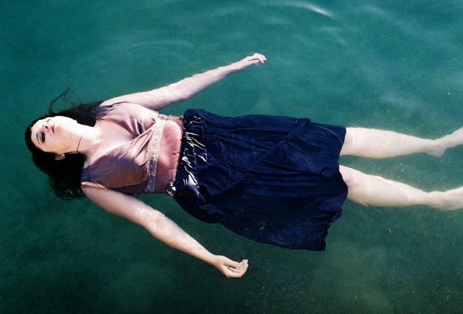 http://lafilladelfotografu.irenavisa.com/files/gimgs/93_norma--estany-cris-1030034.jpg